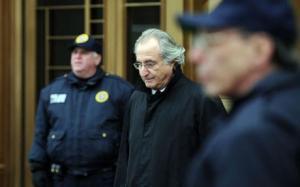 Le 11 décembre 2008, le courtier-vedette Bernard Madoff fut arrêté aux Etats-Unis pour avoir commis une présumée fraude d'un montant de 50 milliards de dollars. ( C ) The Telegraph – Derek Blair