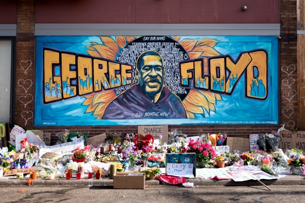 The_George_Floyd_mural_outside_Cup_Foods_at_Chicago_Ave_and_E_38th_St_in_Minneapolis,_Minnesota